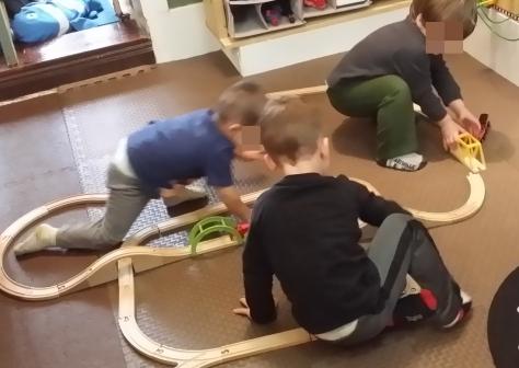 16-10-trains-01